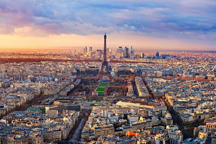 Отправились с супругой в Париж… Такой помойки мы еще не видели нигде…