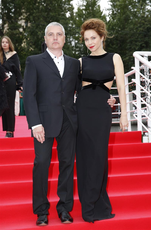 Множество фото счастливой семьи актрисы Екатерины Гусевой – несмотря на существенную разницу в возрасте с мужем…