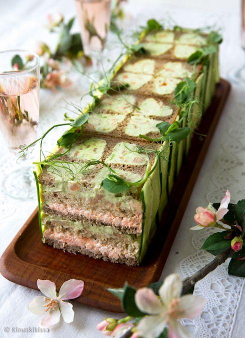 Оригинальный бутербродный торт – эта закуска приводит всех в восторг и я понимаю почему