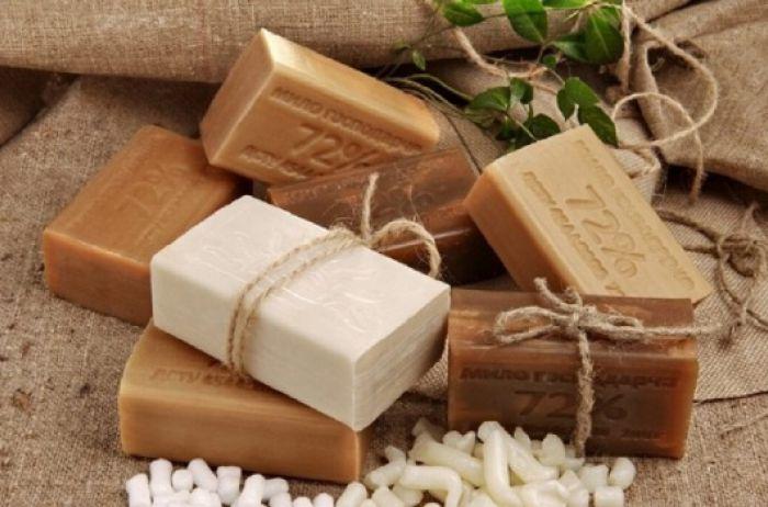 Несколько методов неожиданного применения хозяйственного мыла для красоты и здоровья