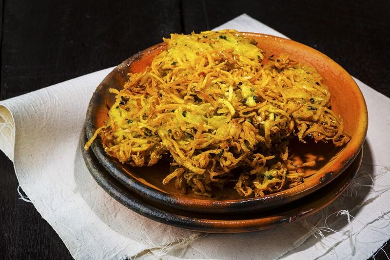 Такой картофель с луком я еще никогда не готовила – цыганка делится секретом
