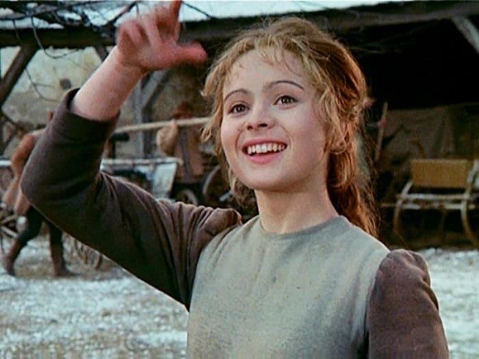 А вы помните фильм «Три орешка для Золушки»? Хотите узнать закадровые подробности и о том, как сложилась жизнь актеров?