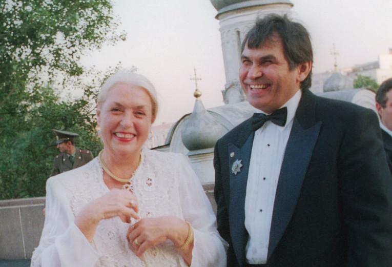 80-летняя Лидия Федосеева-Шукшина и Бари Алибасов поженились – для Лидии это стал пятый брак…