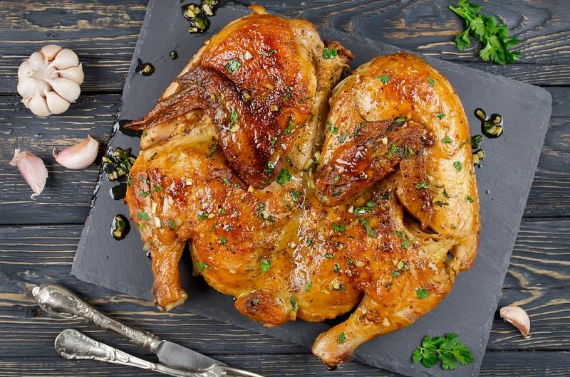 Самый необычный способ запекания курицы – получается очень вкусно, рецепт для всех
