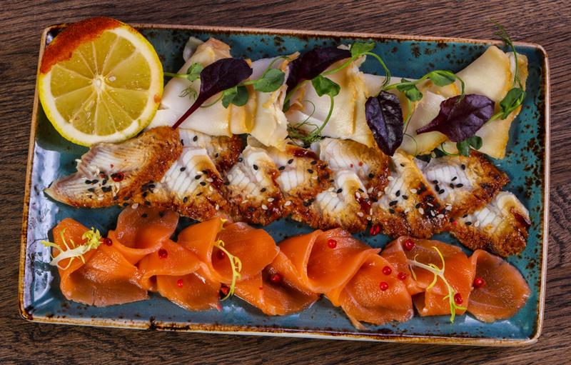Самые оригинальные варианты оформления рыбного ассорти – у нас даже килька выглядит как деликатес