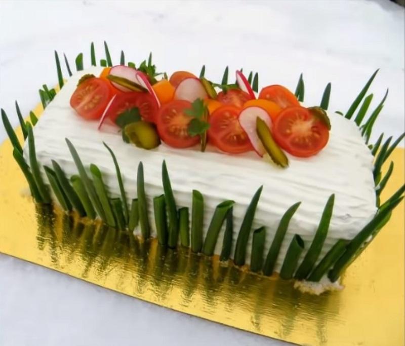 Оригинальный и необычный закусочный торт из слоеного теста