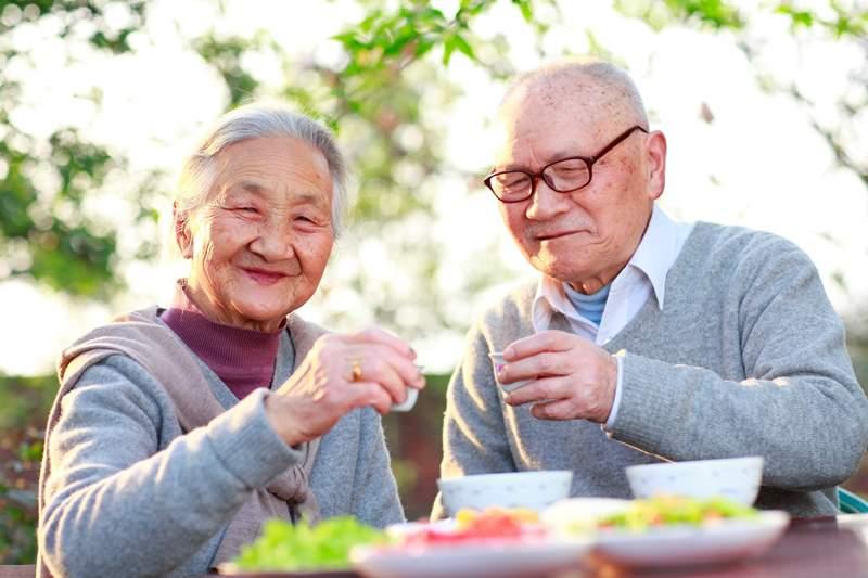 Пять важных правил питания, замедляющих старение – раскрываем японский секрет вечной молодости