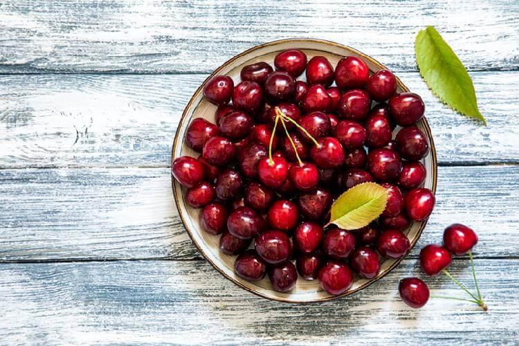ТОП-7 продуктов, которые рекомендуют регулярно кушать кардиологи для разжижения густой крови