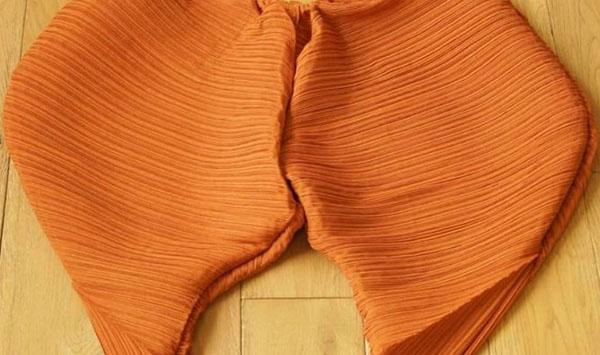 А вы бы носили такие штаны? Новый тренд в мире моды – «горячие цыпочки» уже завоевывают мир